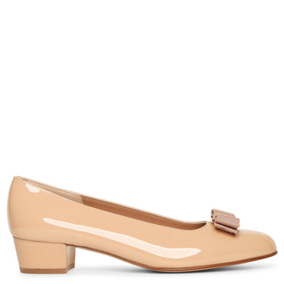 Vara bow patent beige pumps