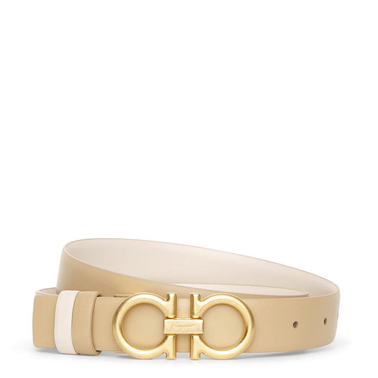 Reversable and adjustable beige cream leather belt