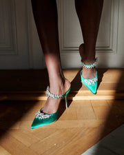 Lurum 90 emerald satin pumps