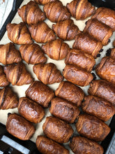 Load image into Gallery viewer, Croissant Lovers Box