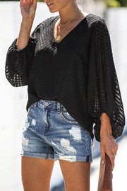 Buttonhole Ripped Denim Shorts