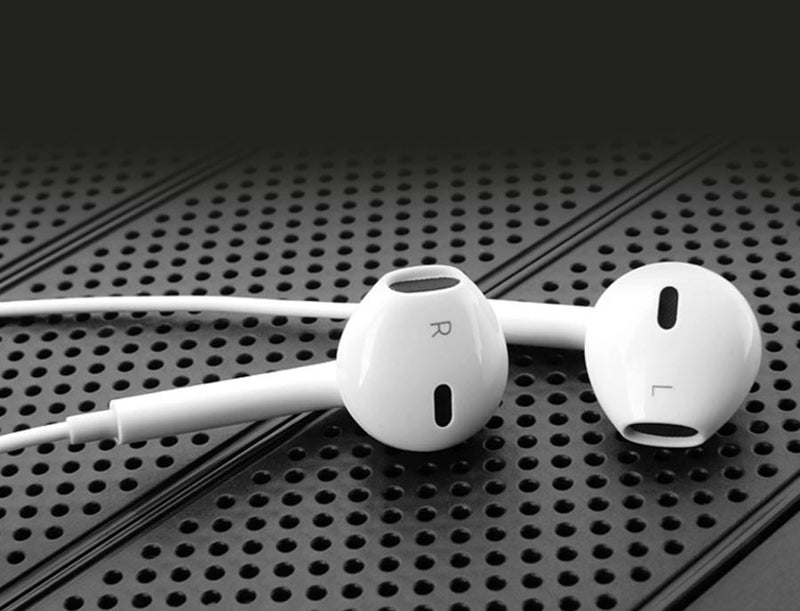 2 x Bluetooth Earbuds