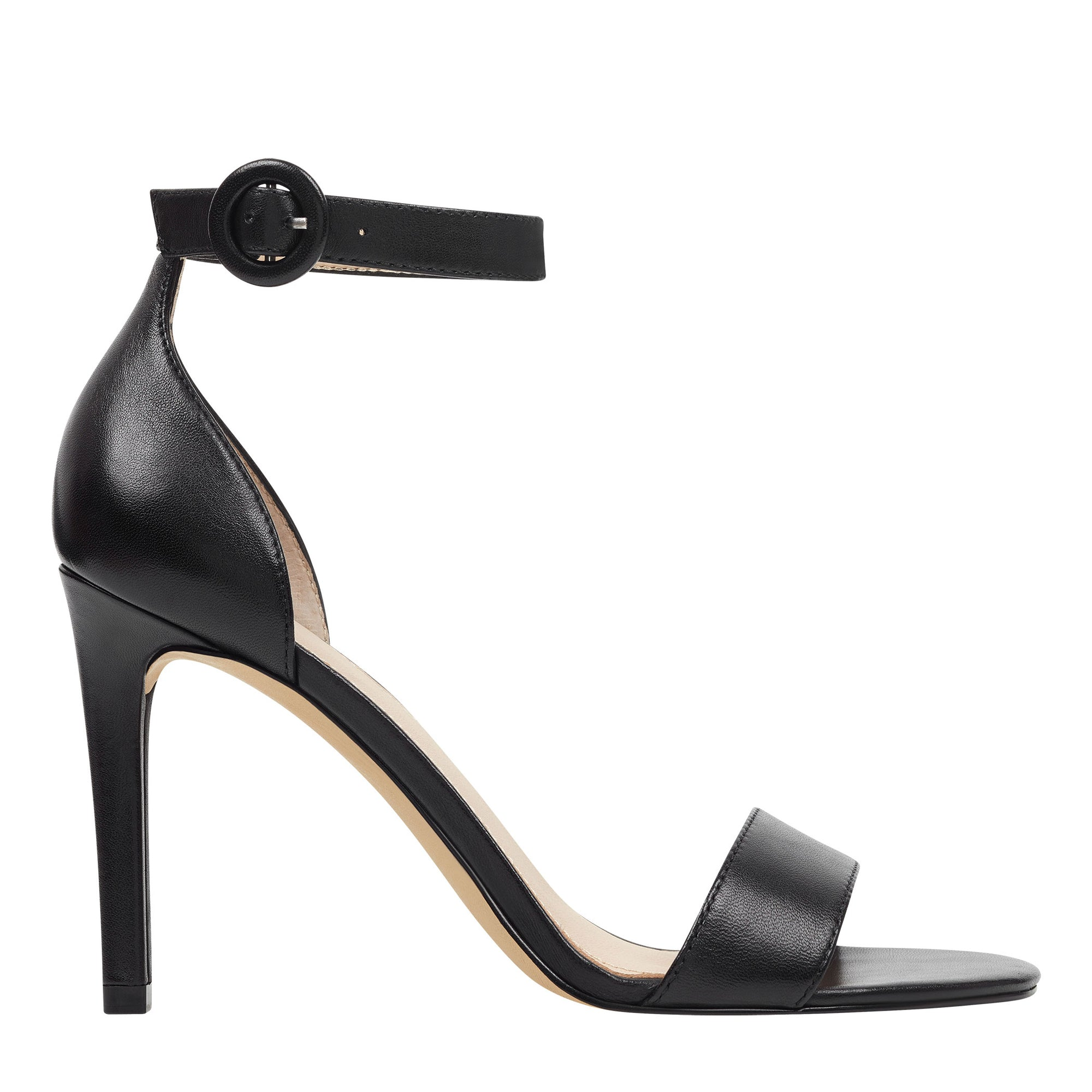 kora-pump-in-black-leather