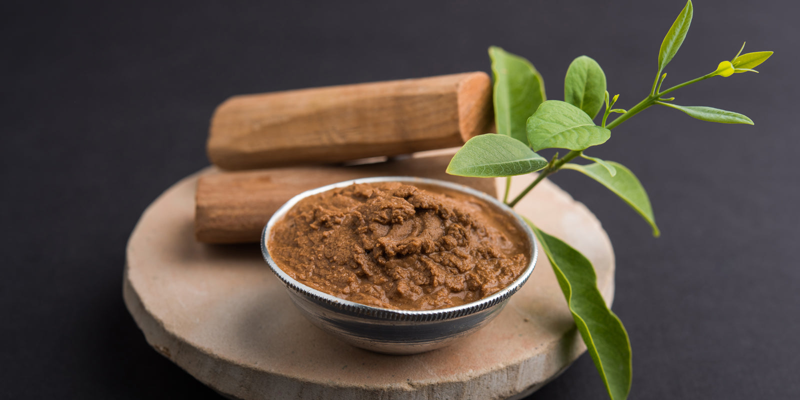 10 Benefits of Using Sandalwood Face Pack for Glowing Skin