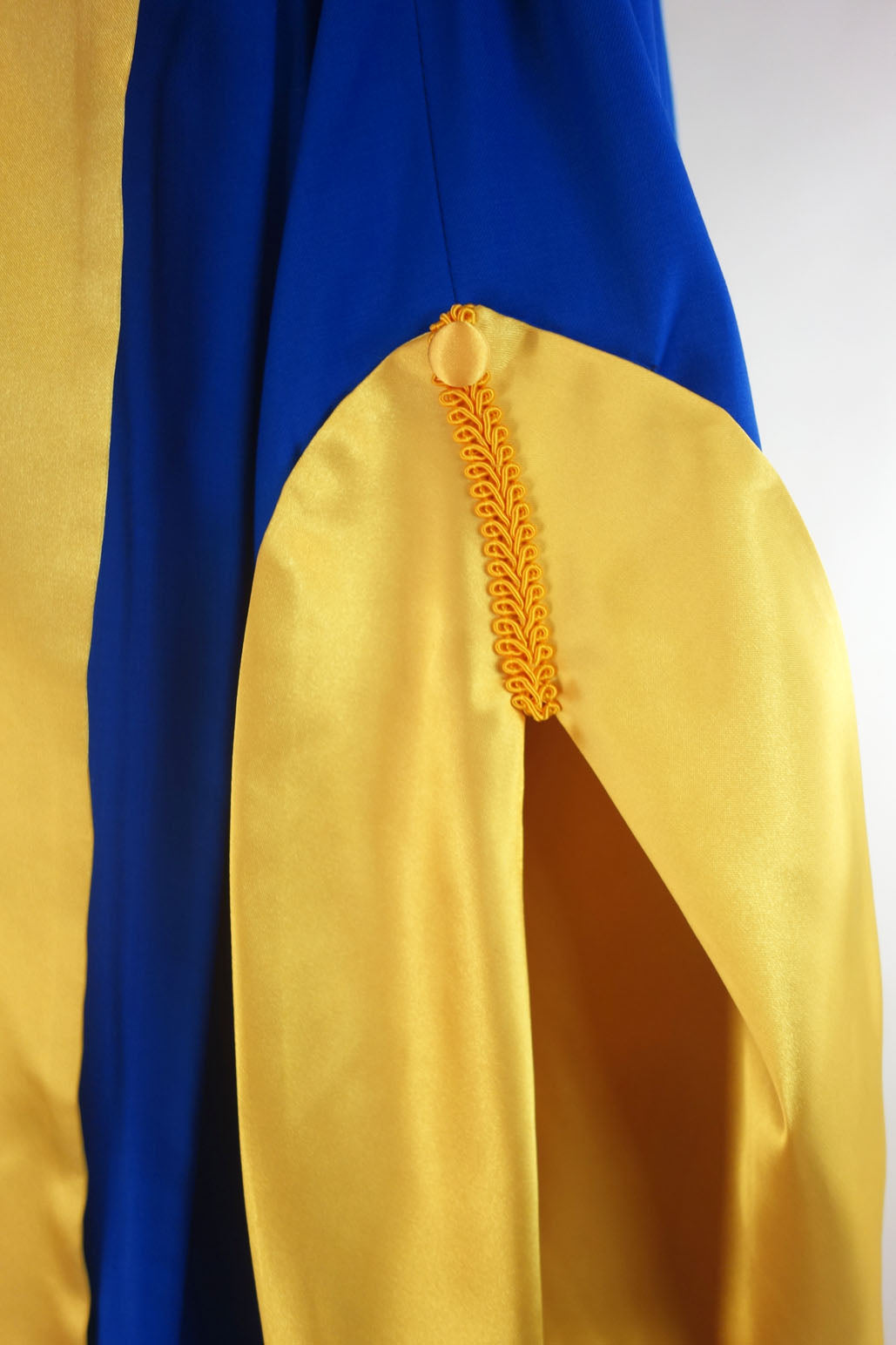 University of Canberra PhD Graduation Gown Suite