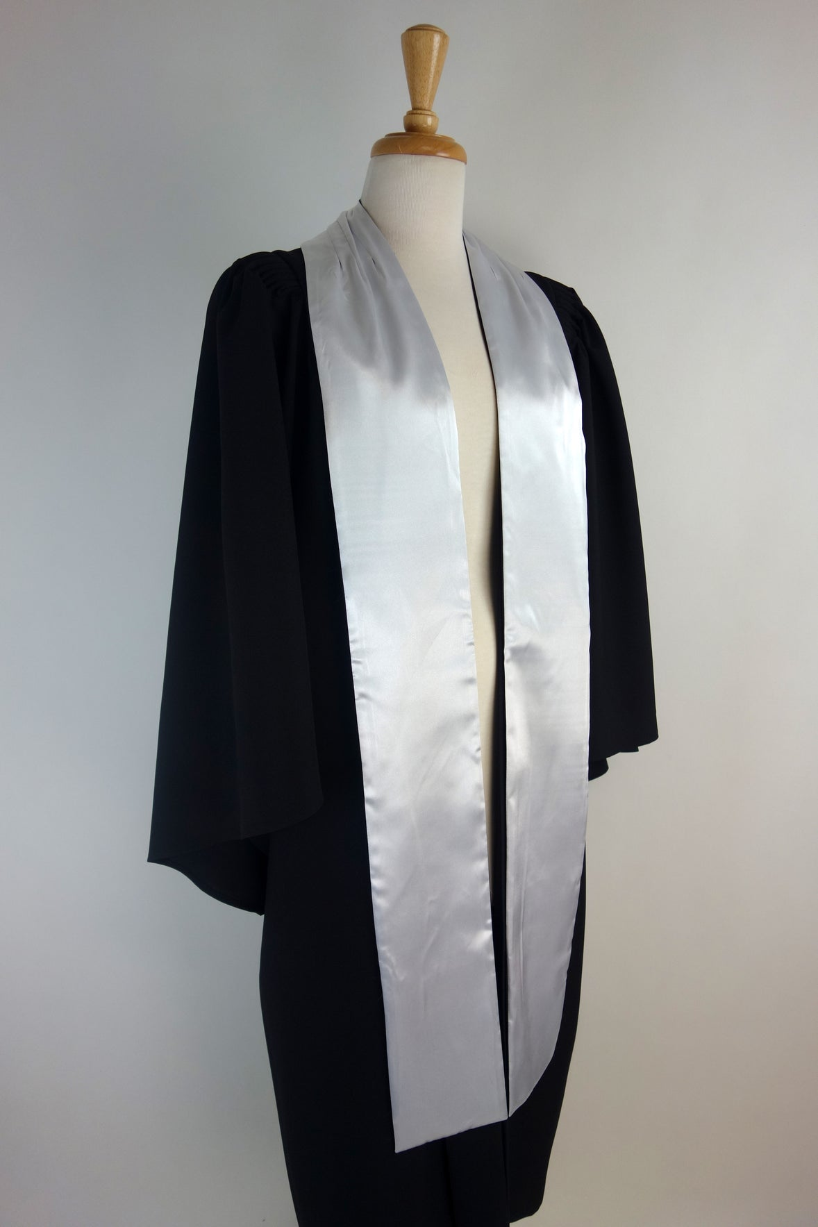 University of Queensland Certificate or Diploma Graduation Gown Set