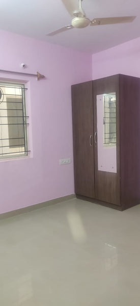 2 BHK Semi-furnished flat for rent at Hosapalya Main road, HSR