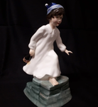 "Royal Doulton ""We willie winkie"" statue"
