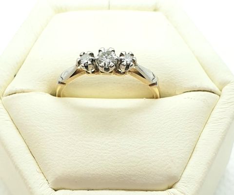 18ct Yellow gold & platinum, three diamond estate ring