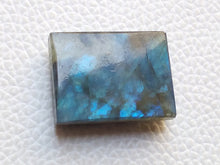 Load image into Gallery viewer, 24x18x7mm, Natural  Labradorite  Rectangular Shape