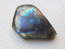 Load image into Gallery viewer, 33x25x8 mm,Natural Labradorite Slab Gemstone Teardrop Shape
