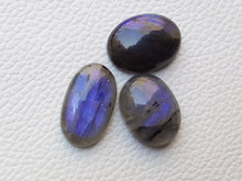 Load image into Gallery viewer, 3pcsNatural Labradorite Cabochon Gemstone Mix Shape