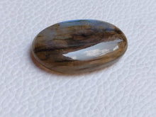 Load image into Gallery viewer, 32x19x7mm, Natural Gemstone Labradorite Cabochon Oval Shape