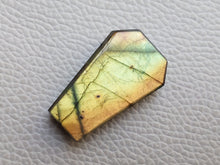 Load image into Gallery viewer, 32x20x6mm, Full Flashy Unique Shade Labradorite Pendant Gemstone Coffin Shape