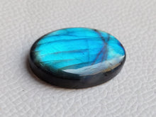 Load image into Gallery viewer, splendid Blue Labradorite Cabochon  31x23x6mm Healing Gemstone Oval Shape