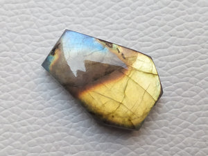 sublime Flashy Labradorite Gemstone 30x21x8mm Healing Gemstone Coffin Shape