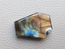 Load image into Gallery viewer, sublime Flashy Labradorite Gemstone 30x21x8mm Healing Gemstone Coffin Shape