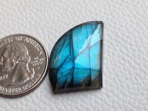 fascinating Blue Labradorite Cabochon  25x19x7mm Healing Gemstone Freeform Shape