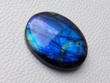 Load image into Gallery viewer, cunning Blue Labradorite Gemstone 35x27x8mm Healing Gemstone Oval Shape