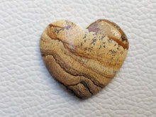 Load image into Gallery viewer, 30x27x5 mm Picture Jasper Heart Shape