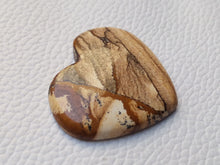 Load image into Gallery viewer, 35x31x5 mm Picture Jasper Heart Shape