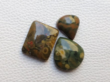 Load image into Gallery viewer, 3 Pcs  Fruit Jasper Mix Shape