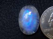 Load image into Gallery viewer, 20x14x7 mm White Rainbow Moonstone Oval Shape