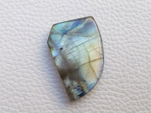 Load image into Gallery viewer, 29x20x5mm,   Labradorite Gemstone Cabochon Freeform Shape