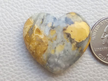 Load image into Gallery viewer, 32x29x9 mm Maligano Jasper Heart Shape