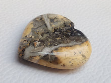 Load image into Gallery viewer, 32x30x9 mm Maligano Jasper Heart Shape