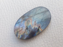 Load image into Gallery viewer, 29x17x6mm,   Labradorite Gemstone Cabochon Oval Shape