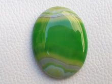 Load image into Gallery viewer, 39x30x6 mm Green Banded Onyx Oval Shape