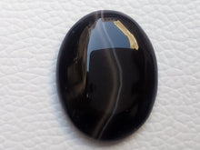 Load image into Gallery viewer, 30x24x6 mm Black Banded Onyx Oval Shape