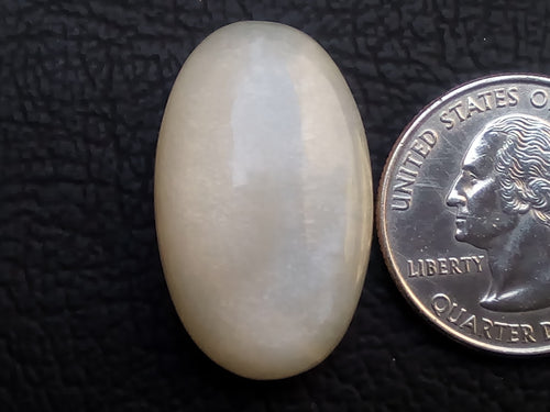 30x18x8mm Natural White Moonstone Oval Shape