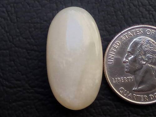 30x17x8mm Natural White Moonstone Oval Shape