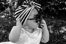 Load image into Gallery viewer, Black Baby Sunflower Sunnies
