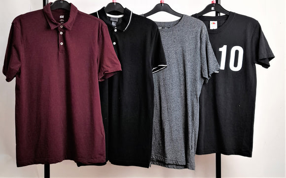 Men's Clothes Bundle 4 Assorted T-Shirts Inc. H&M and Fruit of the Loom Size Small