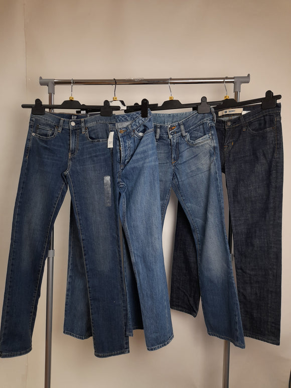 Women's Bundle 4 Assorted Jeans Waist Size 26