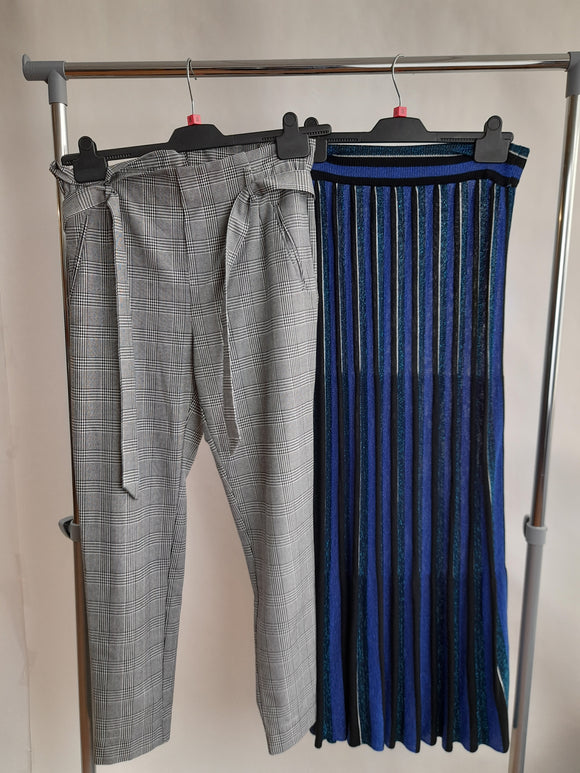 Women's Clothes Bundle 2 Assorted Zara Bottoms Size Small
