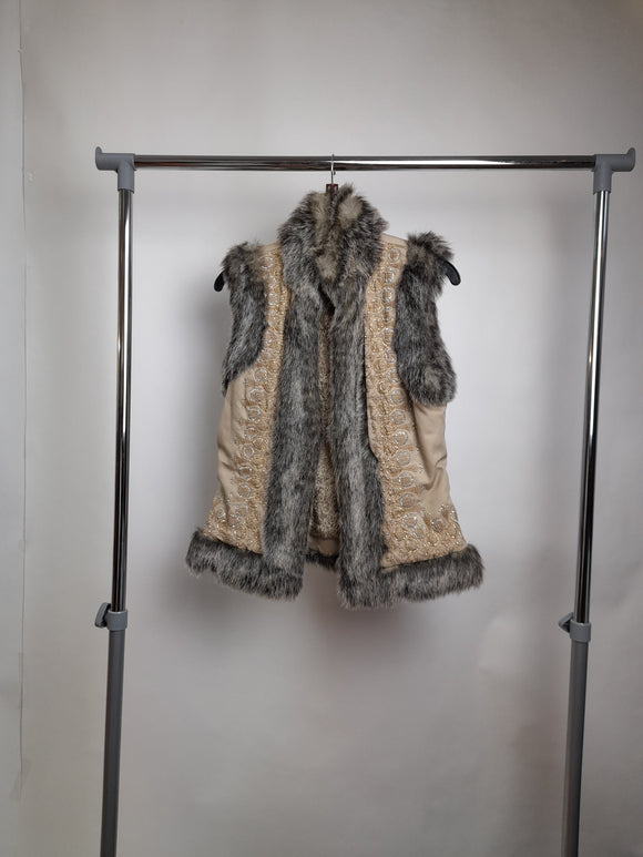 Women's Warehouse Sleeveless Jacket With Faux Fur Size 6