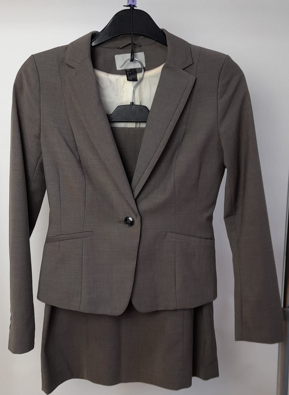 Women's Clothes Bundle - 1 Business Suit Co-ord set - Size 8