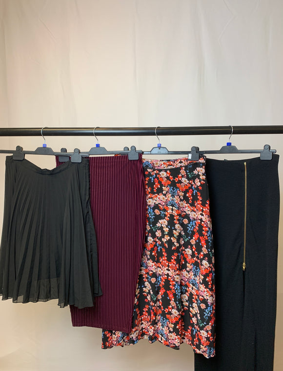 Women's Clothes Bundle 4 Assorted Skirts inc. Lipsy Size 14