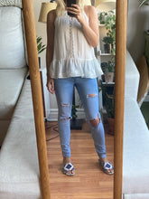 Load image into Gallery viewer, Light Wash Ripped Jeans