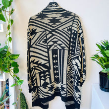 Load image into Gallery viewer, Urban Outfitters Long Cardigan (M)