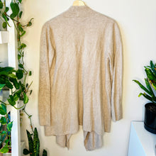 Load image into Gallery viewer, Barefoot Dreams Blush Cardigan (S/M)