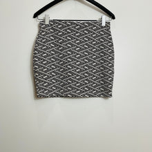Load image into Gallery viewer, Zara Chevron Silhouette Mini Skirt