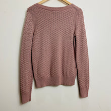 Load image into Gallery viewer, Loft Cableknit Pullover Sweater (XL)