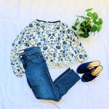 Load image into Gallery viewer, Blue Floral Blouse
