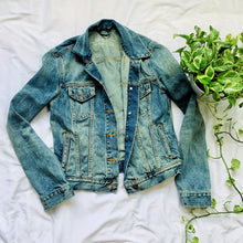 Load image into Gallery viewer, Soft Wear Denim Icon Jacket