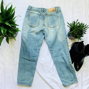Distressed Jean with Patch